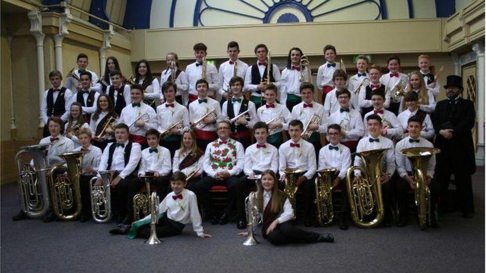 band Biwmares