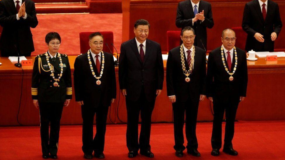 """Coronavirus en China: la ceremonia triunfal de Xi Jinping por el """"éxito"""" en  la """"guerra del pueblo contra el coronavirus"""" - BBC News Mundo"""