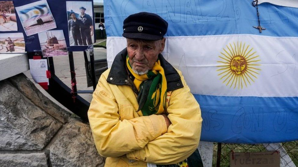 """Norberto Rodriguez, uncle of missing submariner Luis Rodriguez, waits outside Argentina""""s Navy base in Mar del Plata, on the Atlantic coast south of Buenos Aires, on November 10, 2017."""
