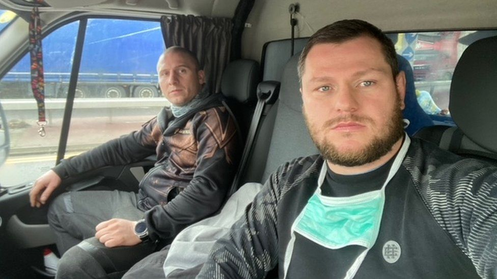 Polish lorry driver Greg Mazurek (right)