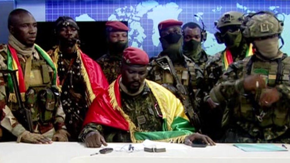 Guinea coup attempt: Soldiers claim to seize power from Alpha Condé thumbnail