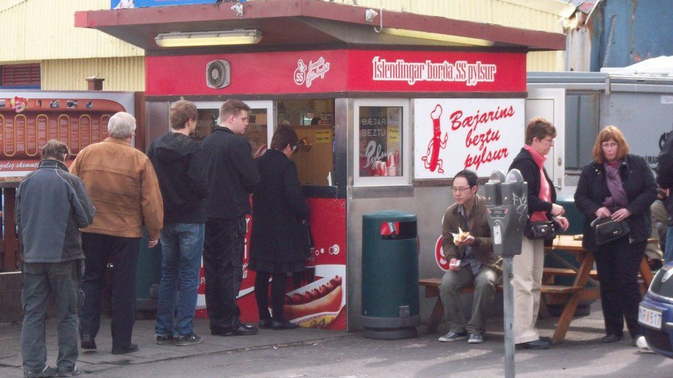 The Baejerins Beztu stand at its original location in Reykjavik