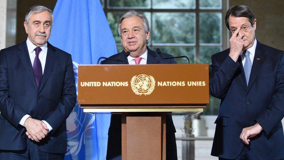 UN Secretary-General Antonio Guterres (C) with Turkish-Cypriot leader Mustafa Akinci (L) and Greek Cypriot President Nicos Anastasiades