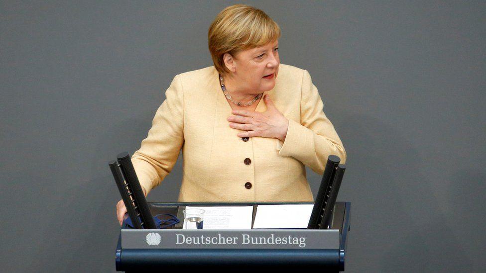 German election: Merkel attacks left as polls point to defeat thumbnail