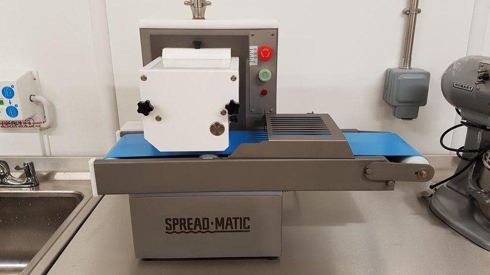 Butter-spreading machine