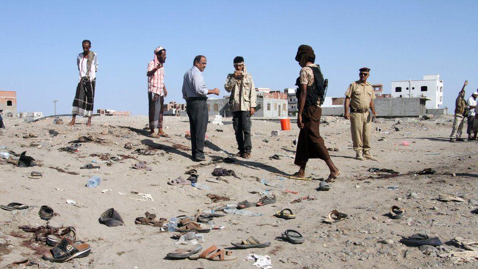 "Yemenis gather at al-Sawlaba base in Aden""s al-Arish district on December 18, 2016,"