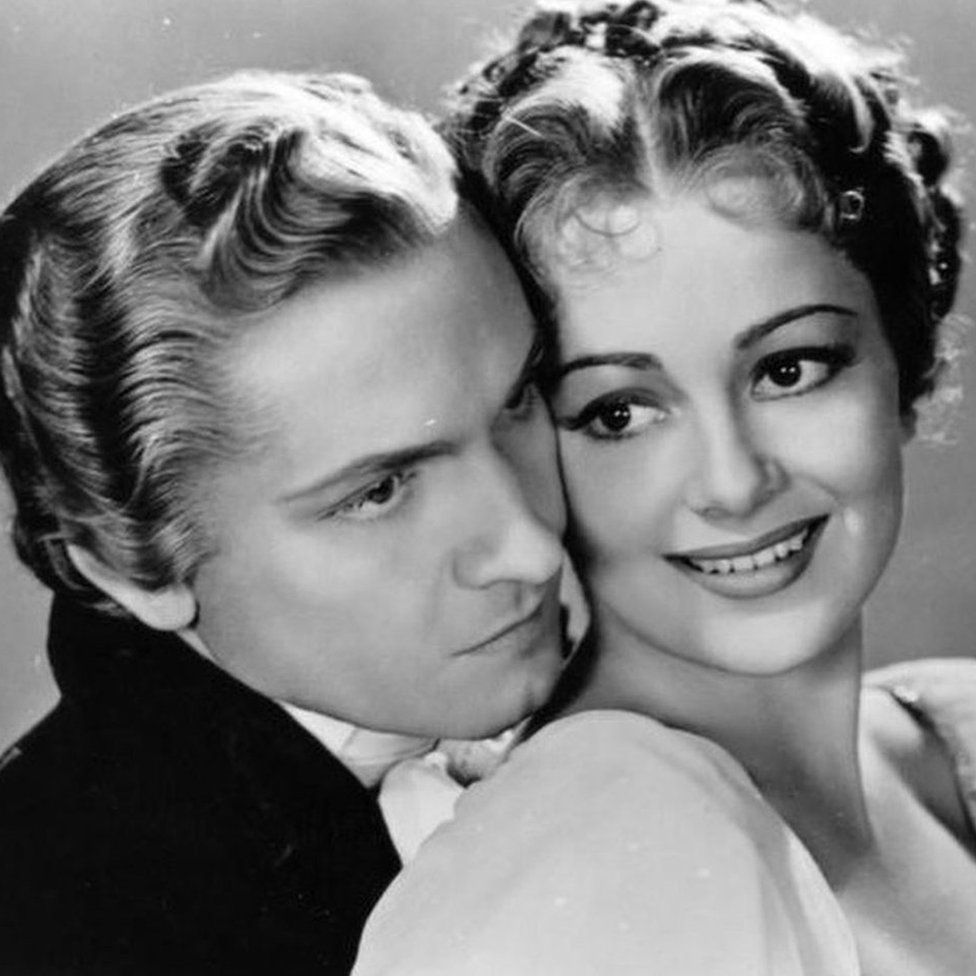 Frederic March & Olivia de Havilland in Anthony Adverse in 1936