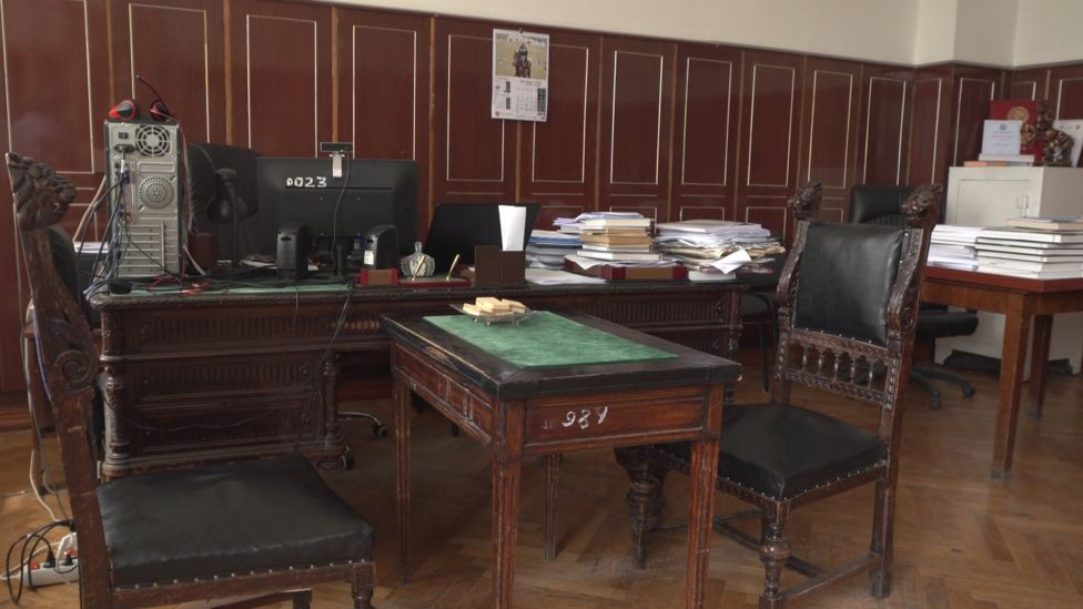Абрахмановдун столу жана стулдары азыр УИАнын Тарых институтунда иш кабинетинде турат