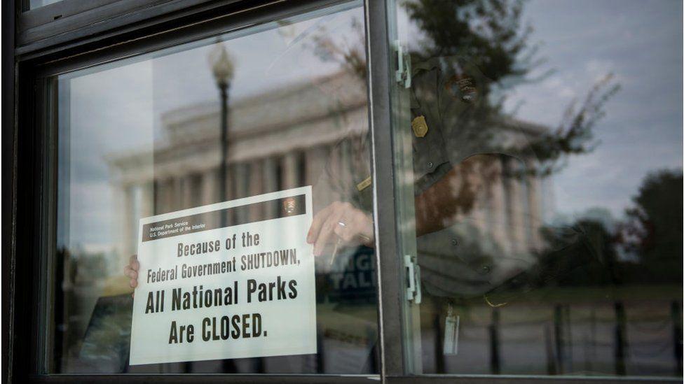 Shutdown: Congress votes to keep US government open thumbnail