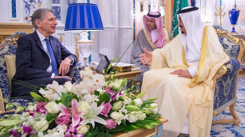 Saudi King Salman meets UK Foreign Secretary Philip Hammond in Jeddah