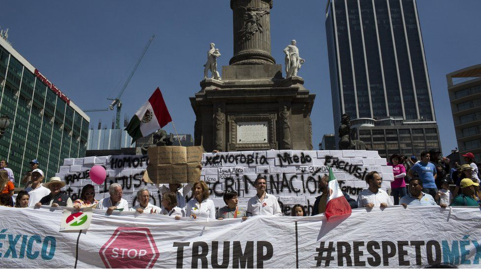 Demonstrators march to the Plaza Angel Independencia in Mexico City, 12 February 2017