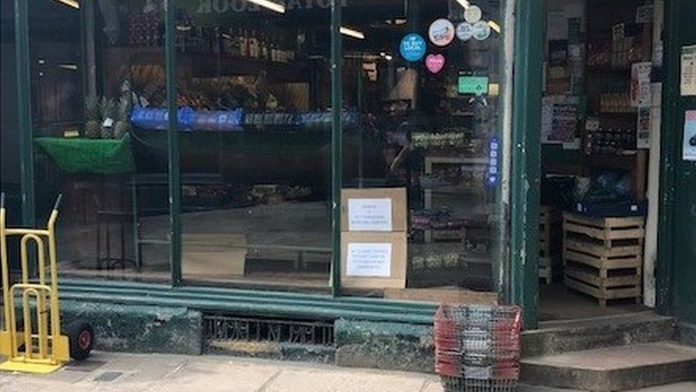 Picture of Munday & Jones greengrocers without its street display