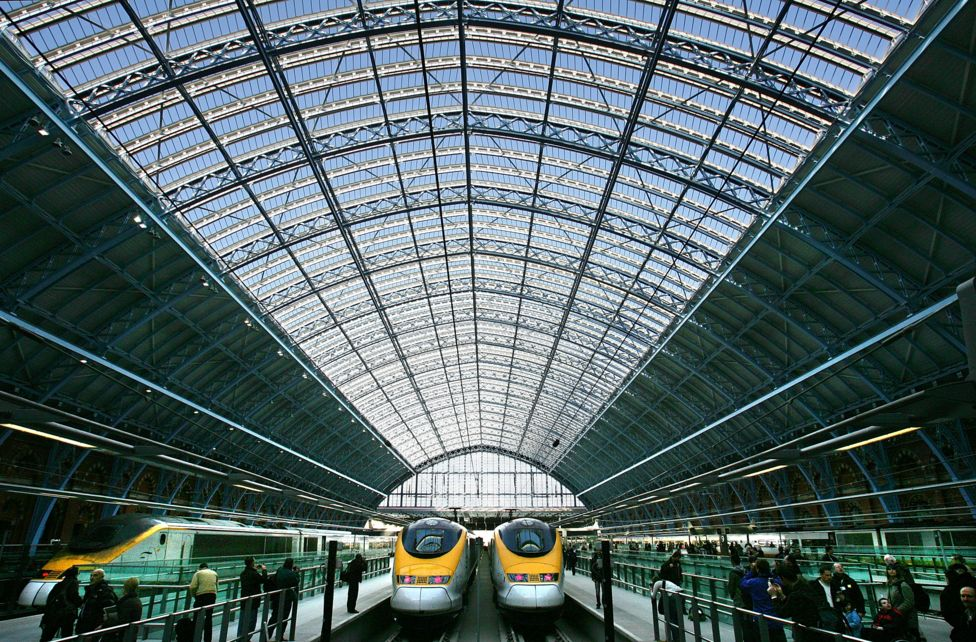 2007年,欧洲之星伦敦终点站从滑铁卢站迁到圣潘克拉斯国际列车站。