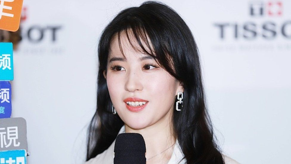 Liu Yifei: Mulan boycott urged after star backs HK police