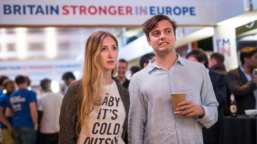 """La ira de los jóvenes por la salida de Reino Unido de la Unión Europea: """"Hemos perdido el derecho a vivir y trabajar en 27 países"""""""