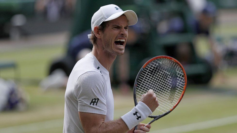 Andy Murray playing at Wimbledon in 2017