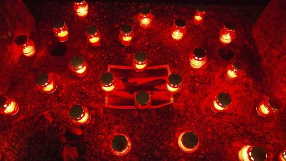 Candles in central Sochi in memory of the crash victims. Photo: 25 December 2016