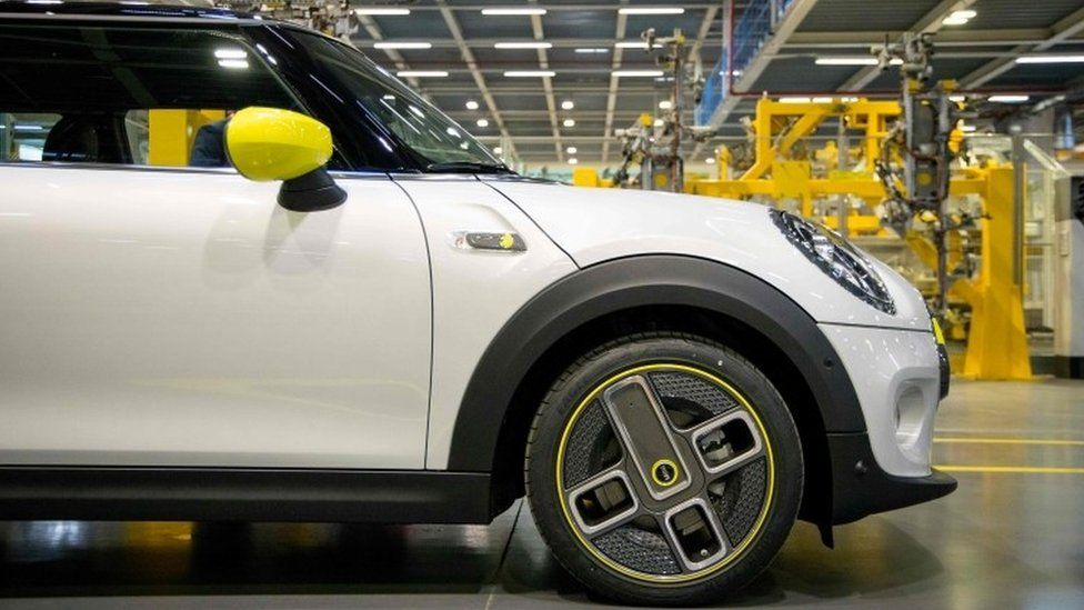 Oxford Mini production to halt due to chip shortage thumbnail
