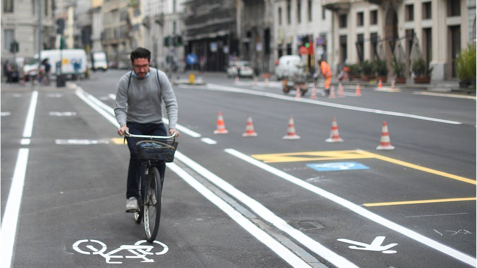 new cycling and walking lanes in Milan