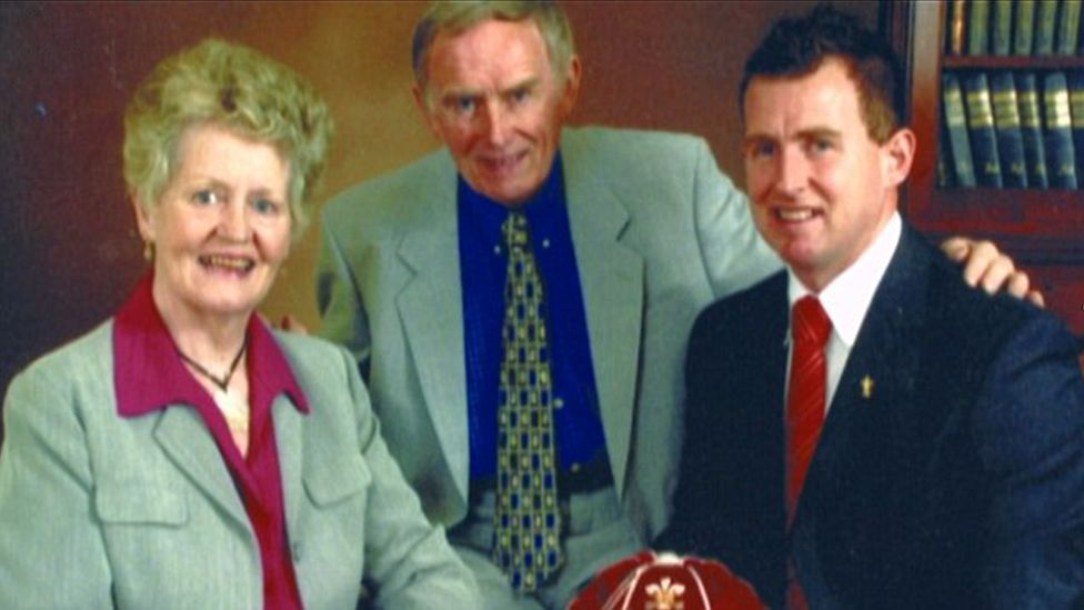 Nigel Owens with his parents