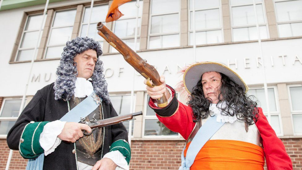 Men dressed up as King James and King William at the Orange Heritage Museum