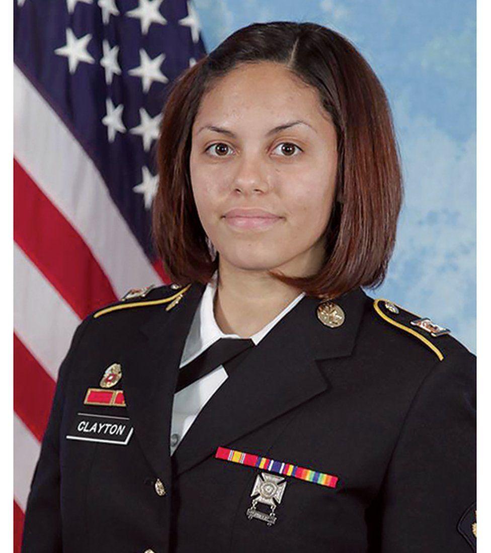 """Résultat de recherche d'images pour """"ABD'li kadın fotoğrafçı Afganistan'da kendi ölüm anını fotoğrafladı"""""""