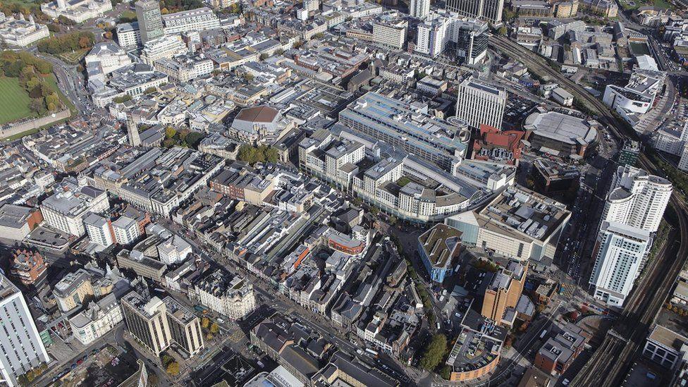Caerdydd o'r awyr