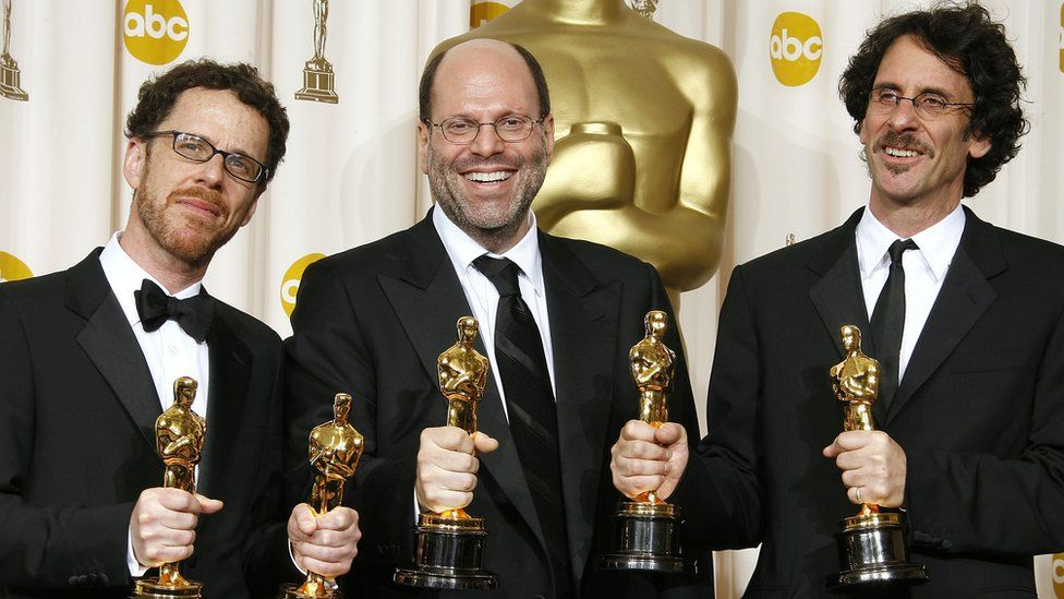 Scott Rudin with Ethan and Joel Cohen at the Oscars in 2008
