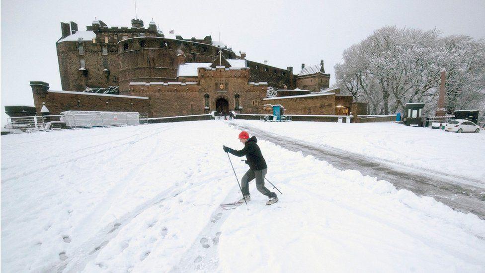Skier at Edinburgh Castle