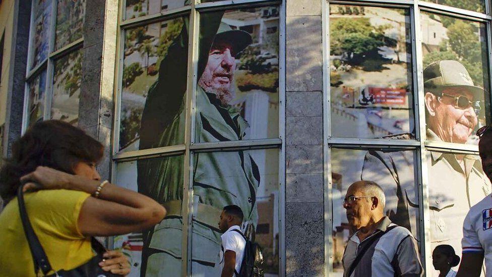 十字路口上的古巴