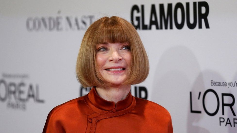 Editor in Chief of Vogue Anna Wintour poses at the Glamour Women of the Year Awards in Los Angeles, California U.S., November 14, 2016.