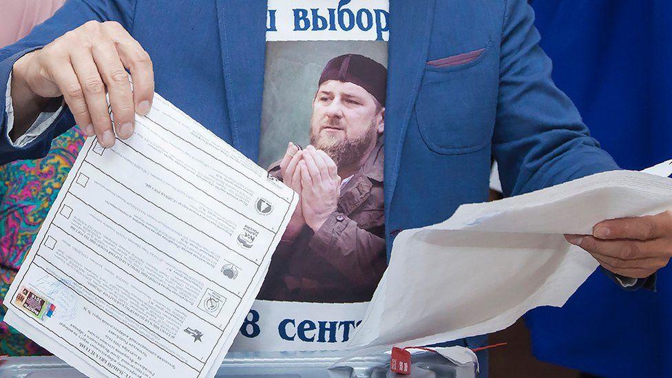 Voter in Tsentoroi, Chechnya, 18 Sep 16