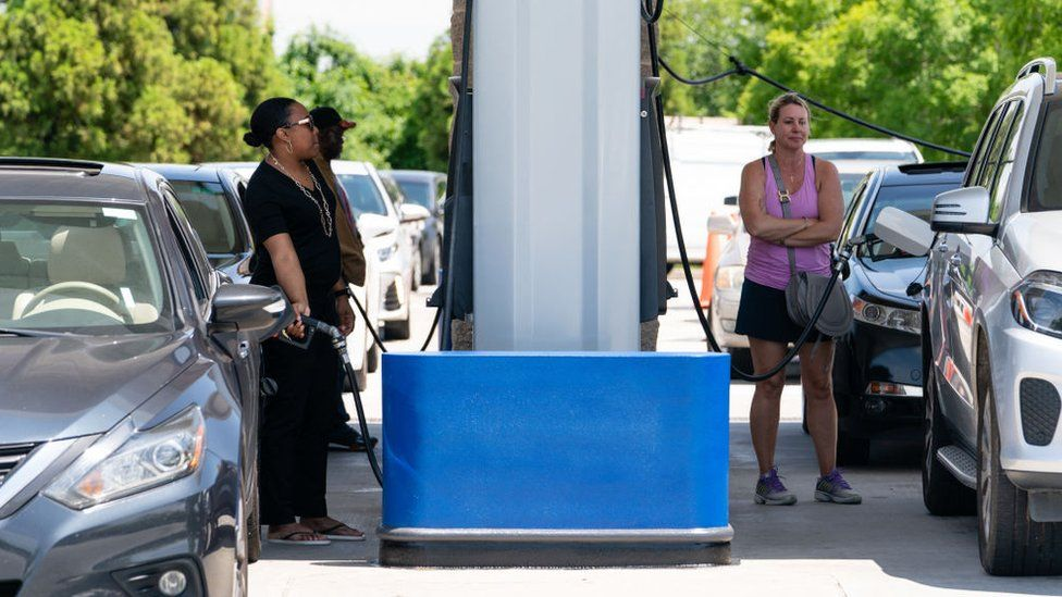 Customers queuing to fill up their cars on 11 May.