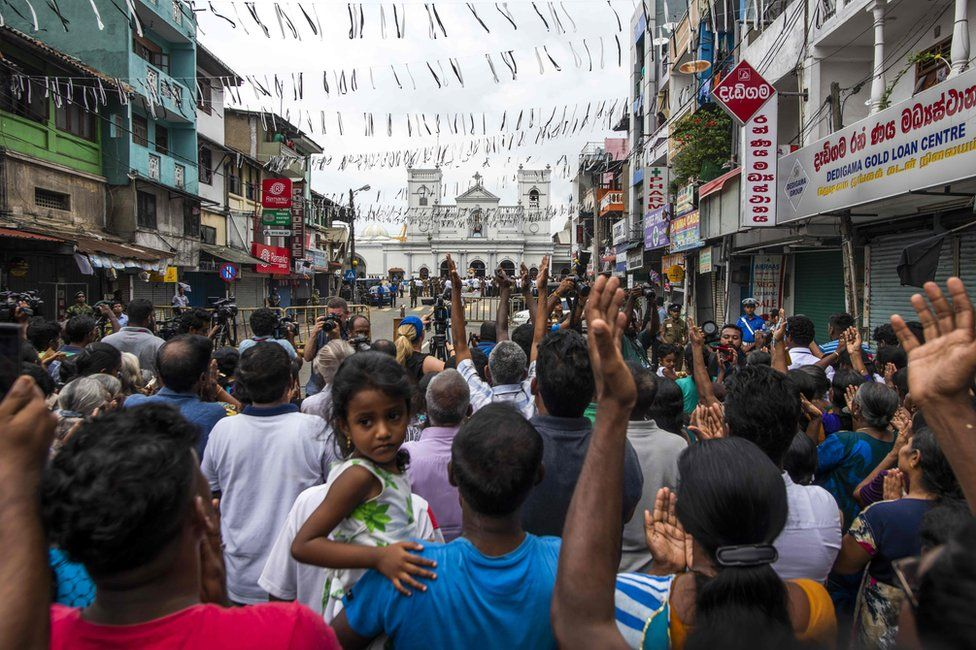 Prayers at St Anthony's Shrine in Colombo