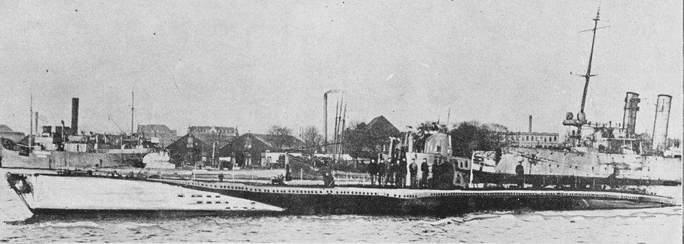 U-boat 77