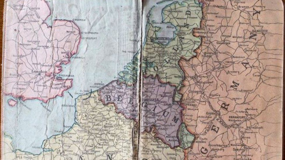 The map pages of a diary owned by Private Robert Phillips