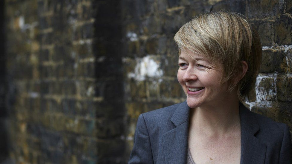 Dr Sarah Waters