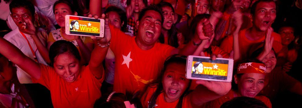 NLD supporters in Yangon, Myanmar (9 Nov 2015)