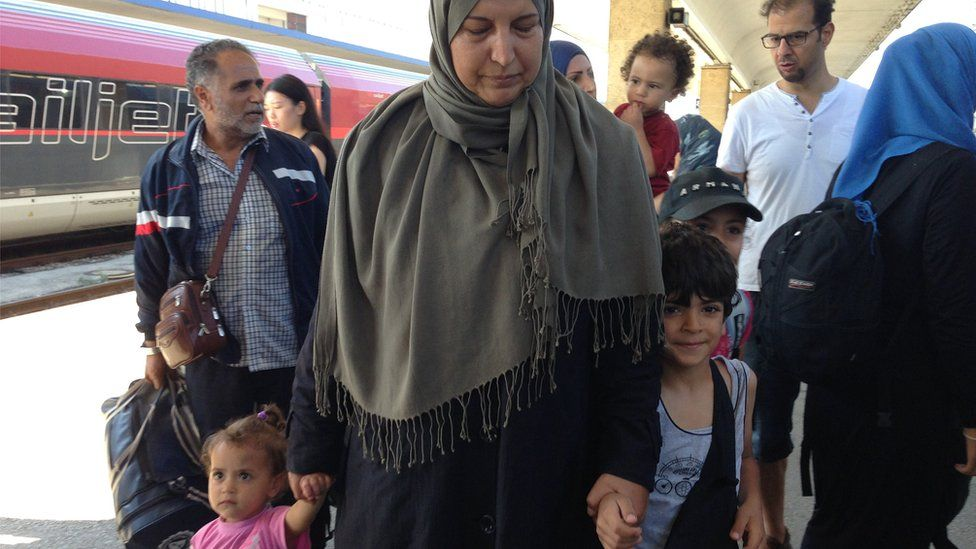 Syrian refugees arriving at Vienna Westbahnhof on a train from Budapest. Pic: Bethany Bell