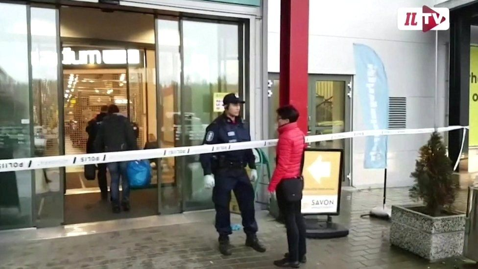 Police outside the Savo vocational school on 1 October