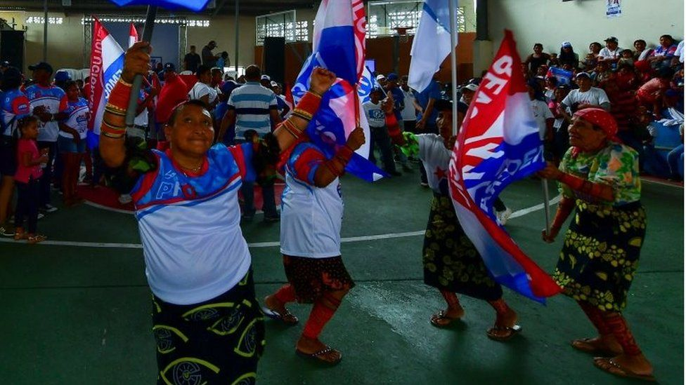 Who are the frontrunners in Panama's election?