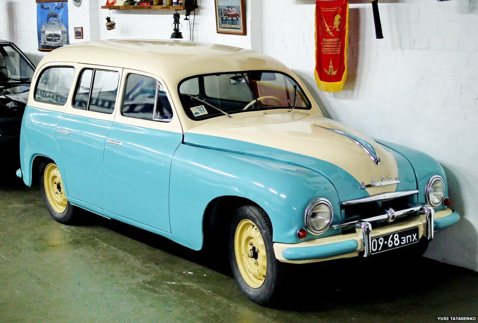 An old Skoda estate from the 1950s-1960s