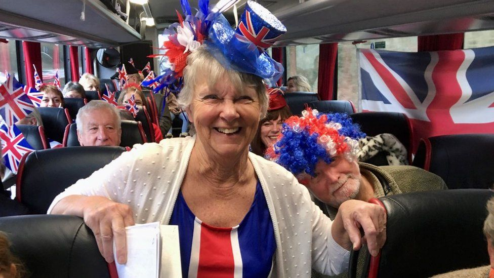 Pro-Brexit partygoers