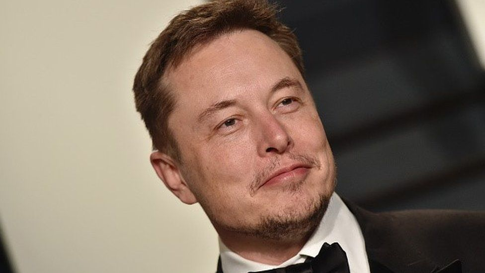 Илон Маск намерен вживить компьютер в мозг