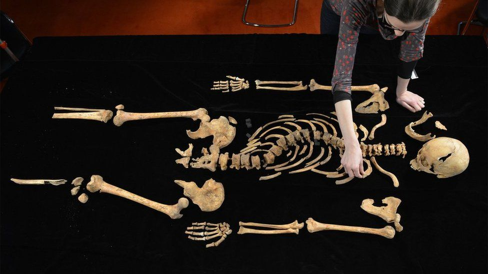Dr Jo Appleby, Lecturer in Human Bioarchaeology at The University of Leicester, working on the remains of King Richard III