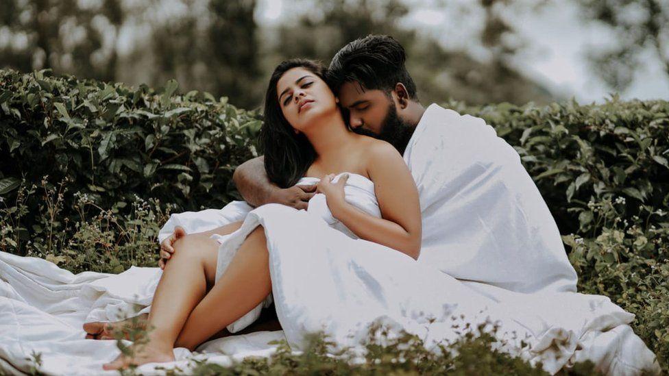 India couple bullied for intimate wedding photoshoot - BBC News