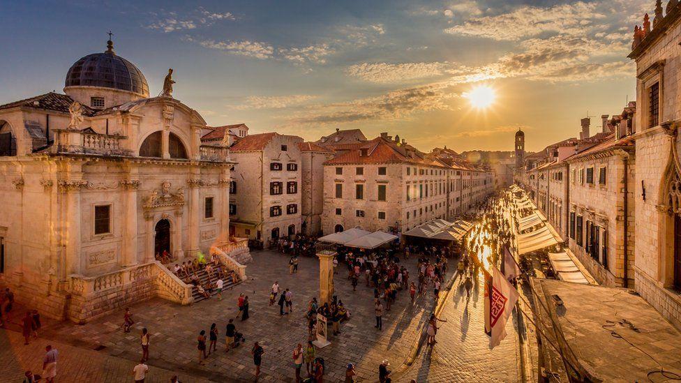 Dubrovnik, a cidade medieval planejada para a quarentena - BBC ...