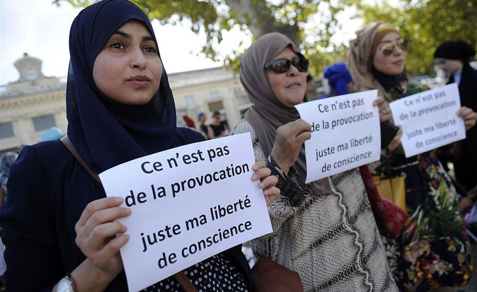 A protest over the French law on Muslim headscarves, Avignon, 3 Sep 16