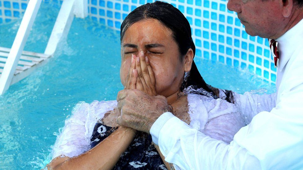 Light of the World: Mexican church holds gathering amid sex crimes scandal