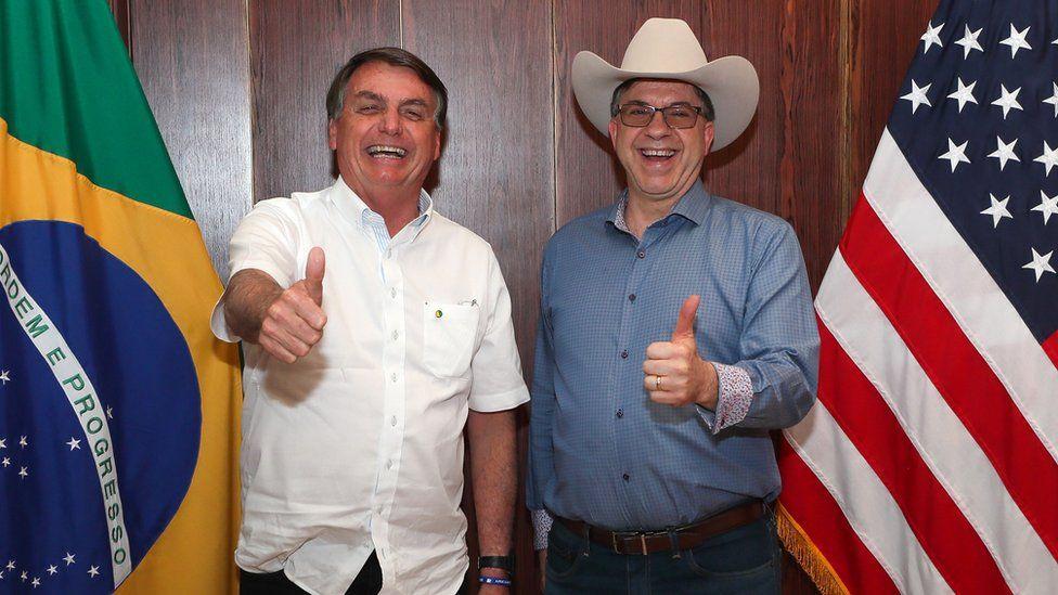 President Jair Bolsonaro (L) and US Ambassador to Brazil Todd Chapman